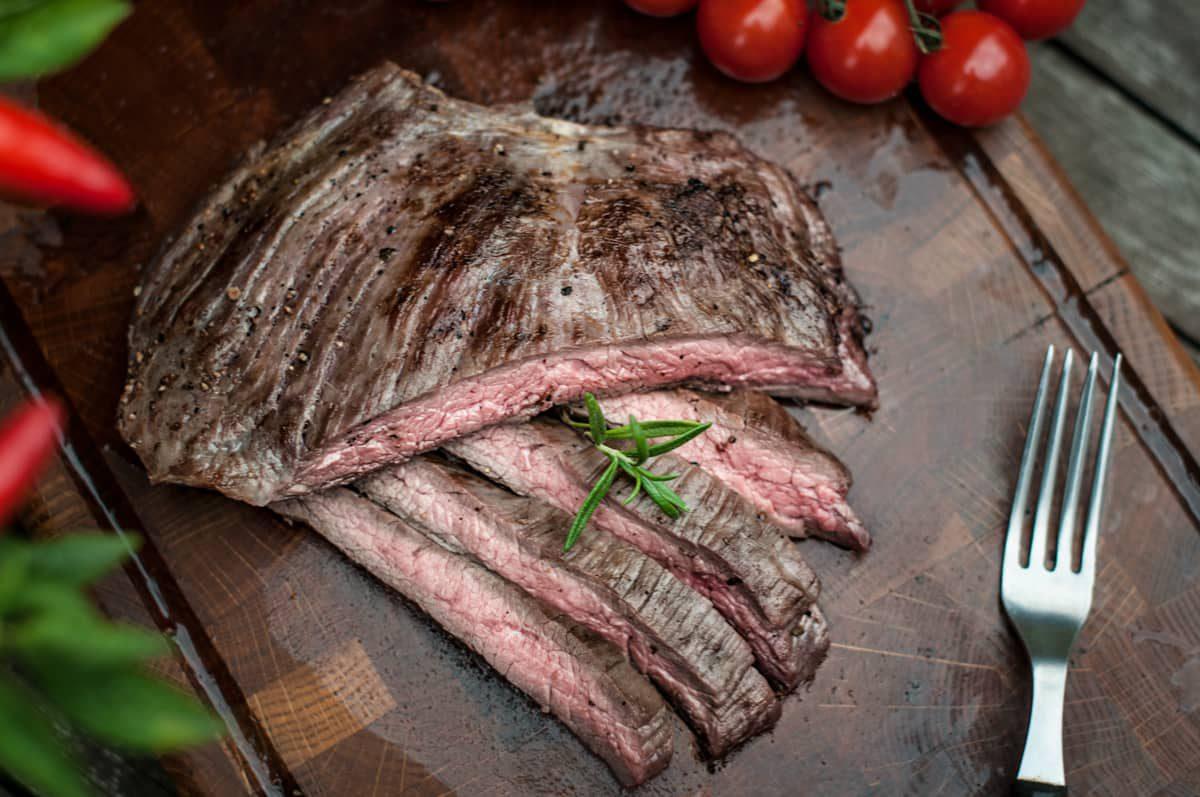 Flank steak na grillu