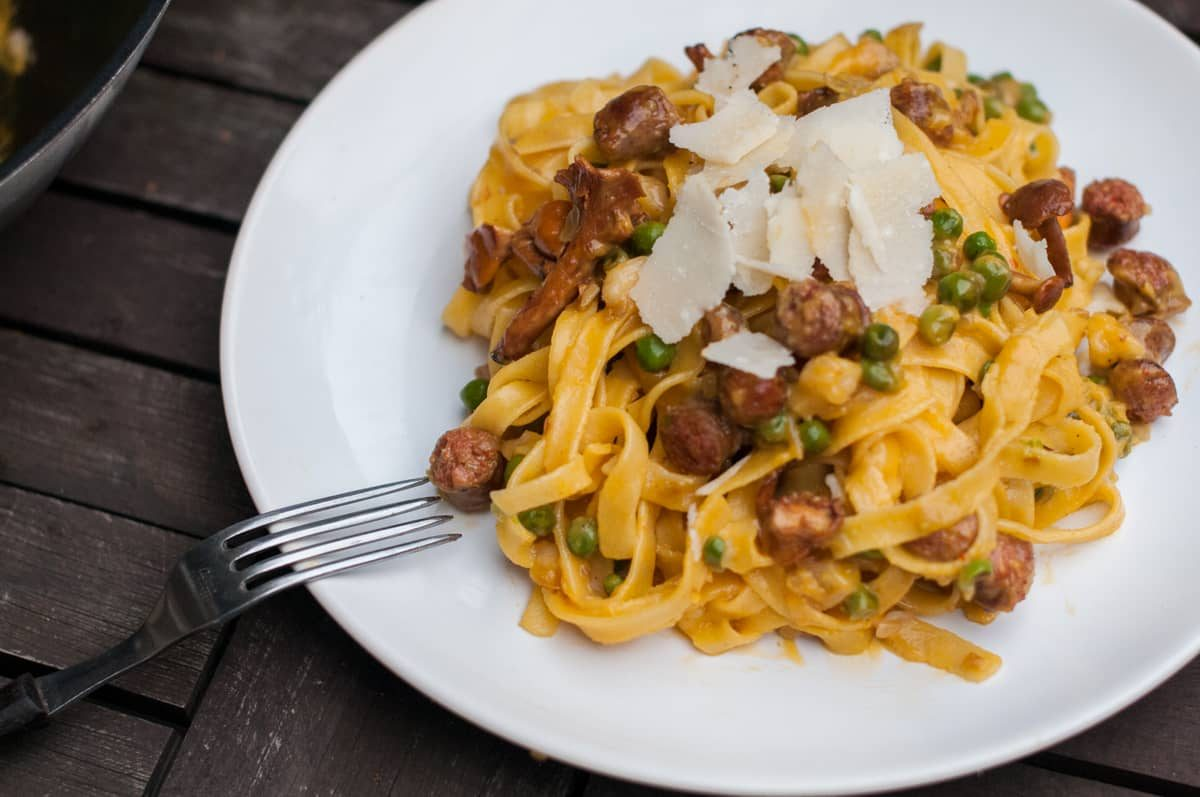Salsiccia s pastou a liškami Recept - Krok 4
