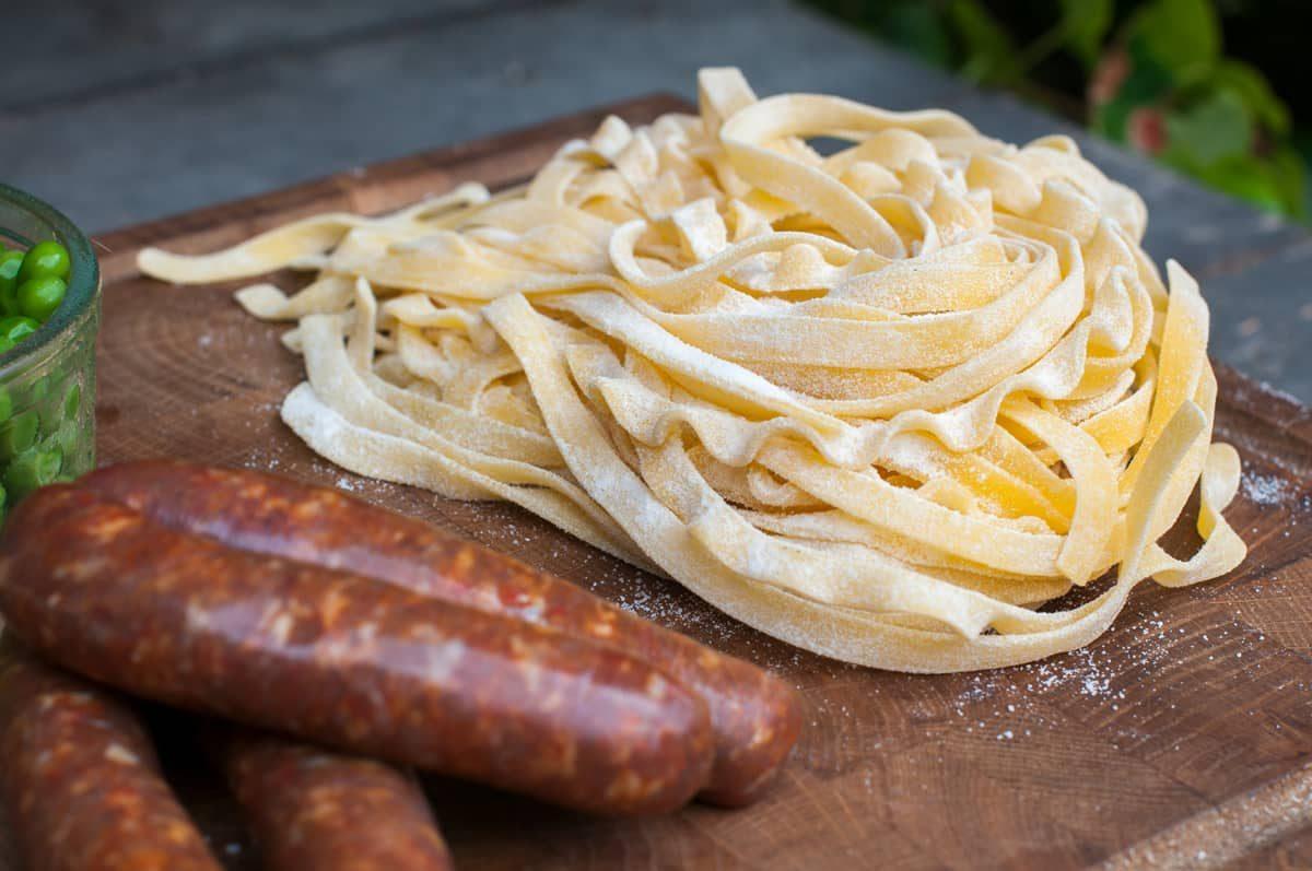 Salsiccia s pastou a liškami Recept - Krok 2
