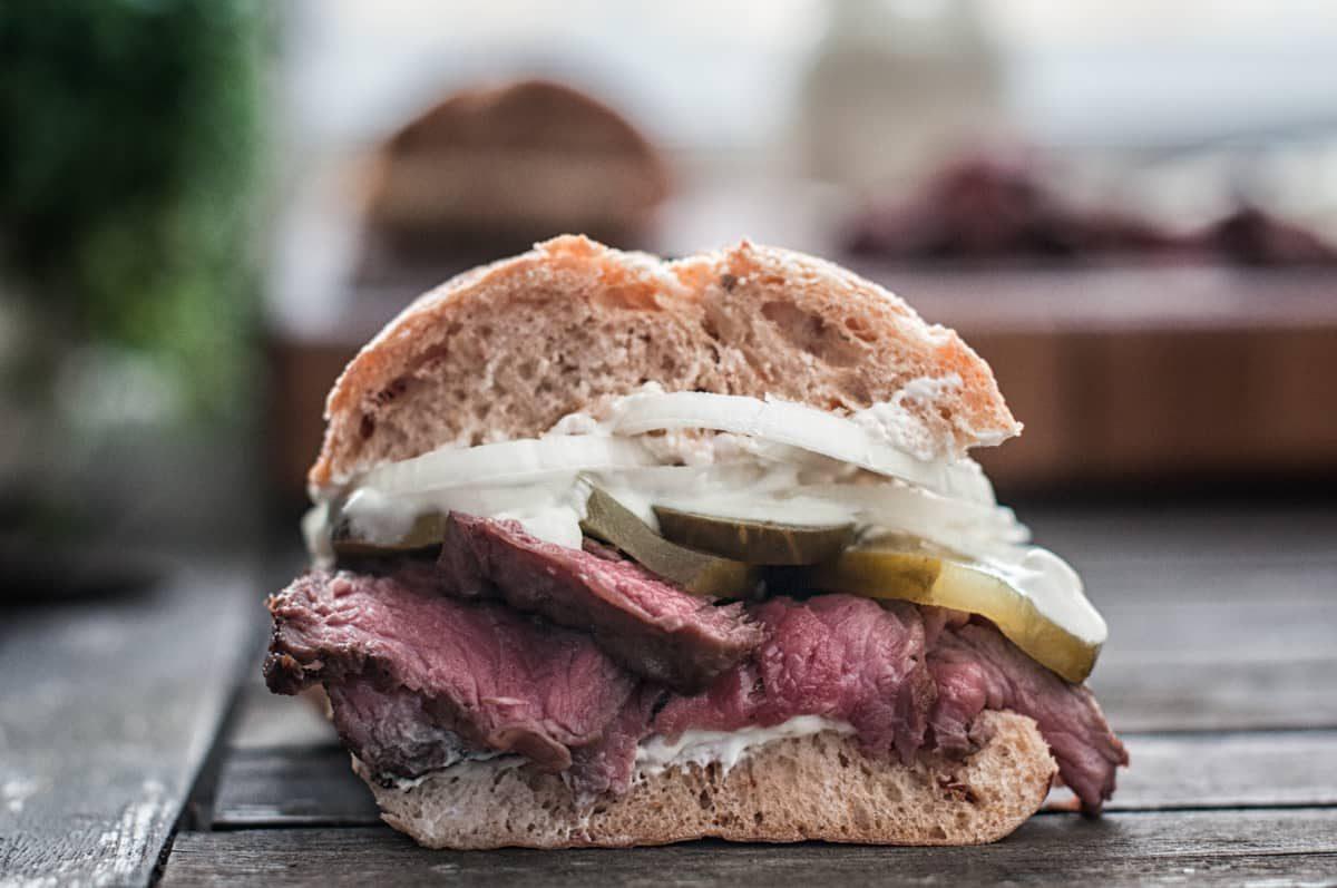 Sandwich se steakem Recept - Krok 4