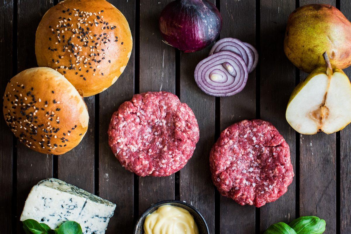 Hovězí burger s hruškou a gorgonzolou Recept - Krok 1